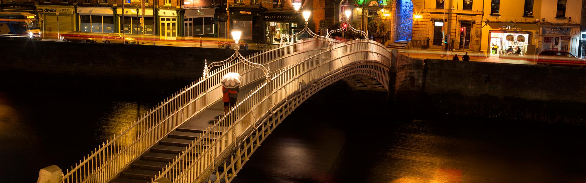 image of blcc ha'penny bridge dublin ireland